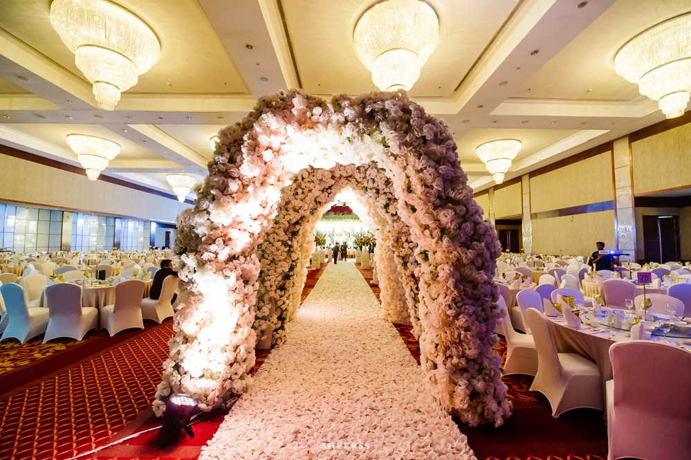Wedding decoration jakarta gallery wedding decoration ideas brides reception karmina anton by juvenco sheerss modern junglespirit Gallery
